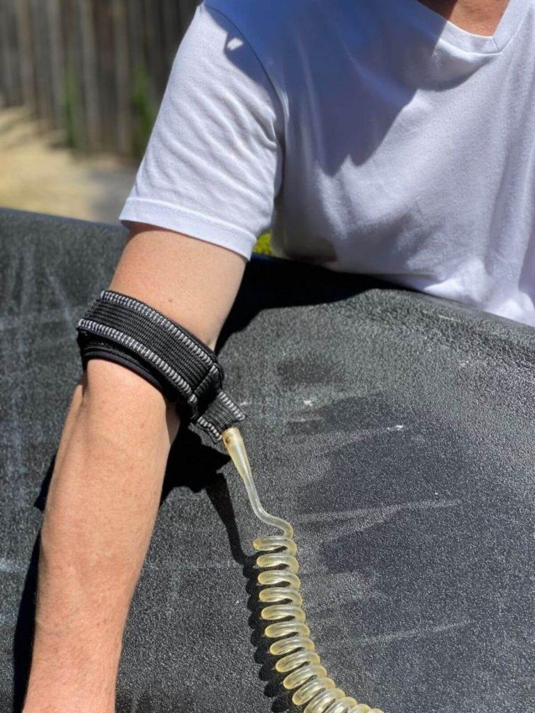 Bodyboard bicep cuff leash