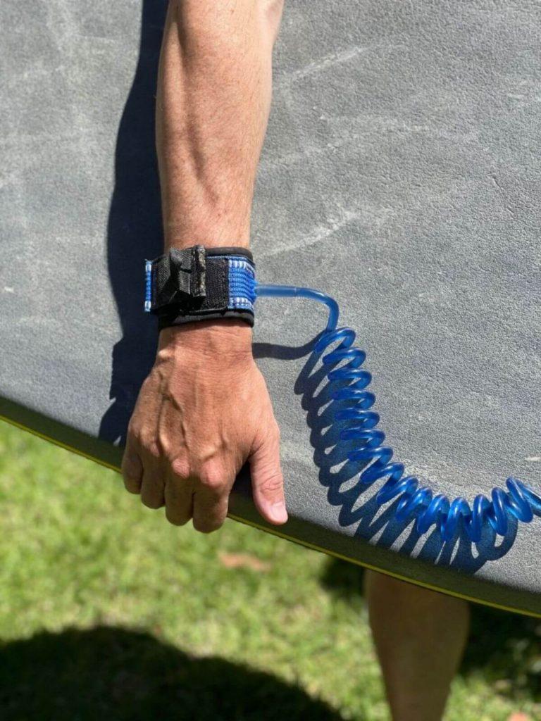 Bodyboard wrist cuff leash